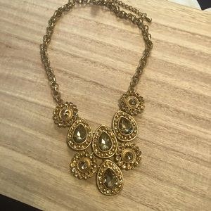 3/$20-New‼️Gold Statement Necklace